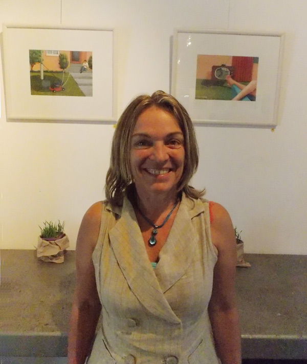 Vicki Langham-Stavrou's 'Grass' exhibit at Citrus Gallery in Byron